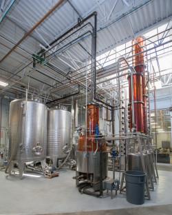 06topo_Distillery